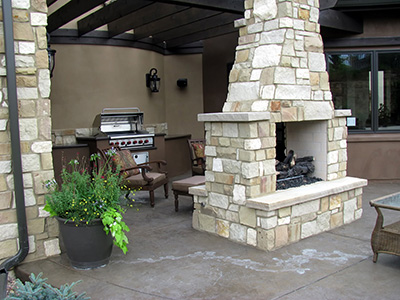 Fireplaces or Fire Pits
